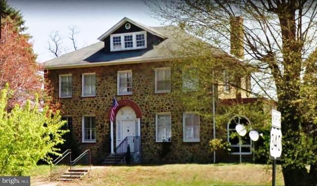 405 N Royal Avenue, FRONT ROYAL, VA 22630 (#VAWR141842) :: Jacobs & Co. Real Estate