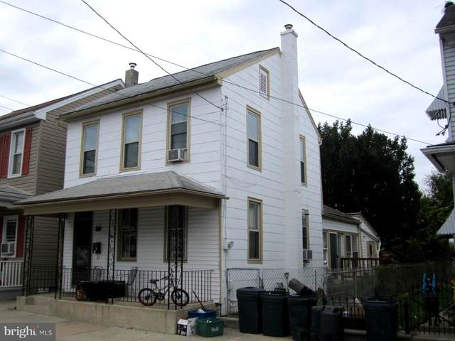 24 W Stiegel Street, MANHEIM, PA 17545 (#PALA172492) :: The Joy Daniels Real Estate Group