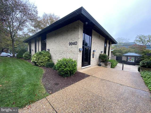 9940 Main Street, FAIRFAX, VA 22031 (#VAFX1163490) :: Jacobs & Co. Real Estate