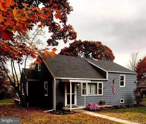 8 Oakmont Road, HARRISBURG, PA 17109 (#PADA127162) :: Iron Valley Real Estate