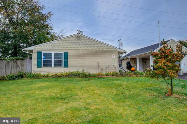 28 Farmbrook Drive, LEVITTOWN, PA 19055 (#PABU510284) :: BayShore Group of Northrop Realty
