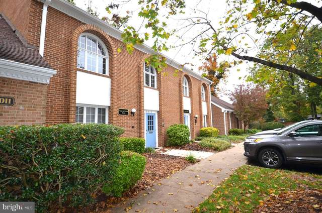 7013 Backlick Court, SPRINGFIELD, VA 22151 (#VAFX1163994) :: Jacobs & Co. Real Estate
