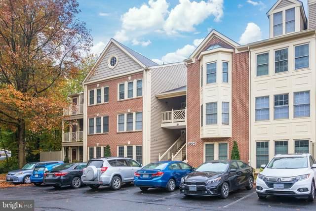 3804 Ridge Knoll Court 302-A, FAIRFAX, VA 22033 (#VAFX1164238) :: The Matt Lenza Real Estate Team