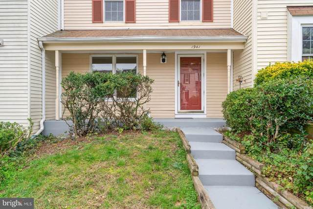 1941 Pohick Creek Court, WOODBRIDGE, VA 22192 (#VAPW508144) :: The Miller Team