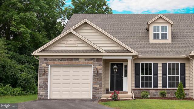 208 Thorncrest Drive #111, CARLISLE, PA 17015 (#PACB129404) :: Bob Lucido Team of Keller Williams Integrity