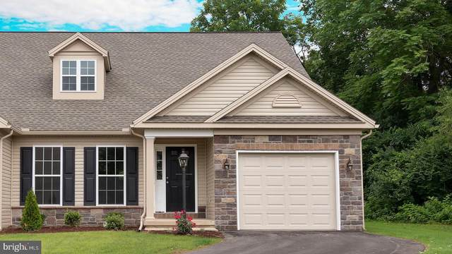214 Thorncrest Drive #114, CARLISLE, PA 17015 (#PACB129410) :: The Heather Neidlinger Team With Berkshire Hathaway HomeServices Homesale Realty