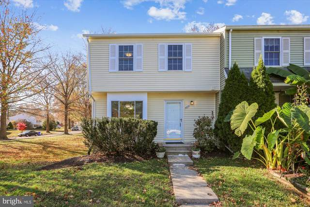 8200 Mountain Ash Way, GAITHERSBURG, MD 20879 (#MDMC733640) :: Gail Nyman Group