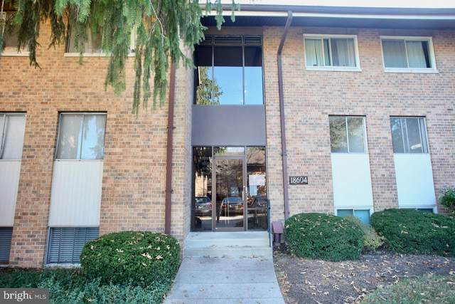18604 Walkers Choice Road #4, GAITHERSBURG, MD 20886 (#MDMC733658) :: Bic DeCaro & Associates