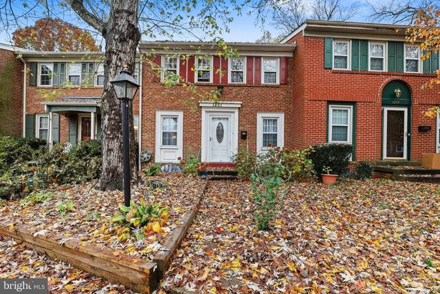 1231 Fox Run Place, WOODBRIDGE, VA 22191 (#VAPW508958) :: Great Falls Great Homes