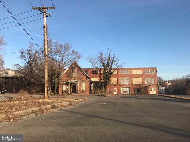 600 Queen Street, MARTINSBURG, WV 25401 (#WVBE181818) :: Hill Crest Realty