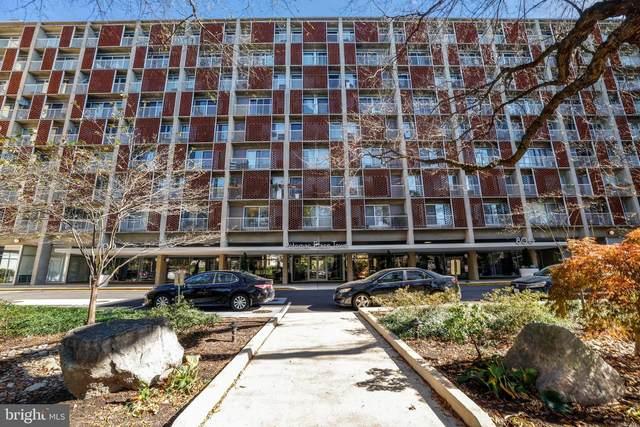 800 4TH Street SW S203, WASHINGTON, DC 20024 (#DCDC496440) :: Bic DeCaro & Associates