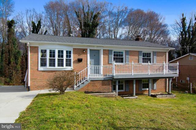 13707 Gilbert Road, WOODBRIDGE, VA 22193 (#VAPW509178) :: AJ Team Realty