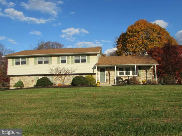 949 Hickory Drive, BLUE BELL, PA 19422 (#PAMC676352) :: Colgan Real Estate