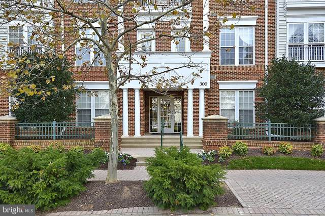 300 King Farm Boulevard 9-101-R, ROCKVILLE, MD 20850 (#MDMC735868) :: The Piano Home Group