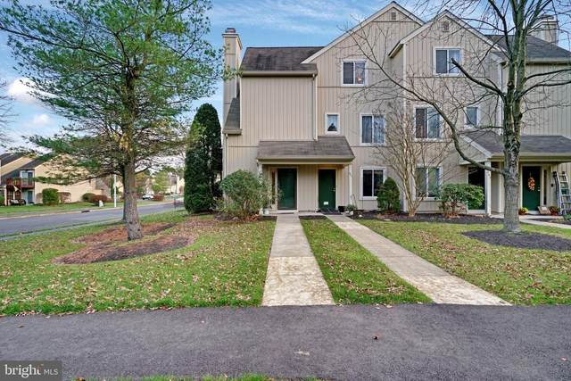 200 Woodlake Drive, MARLTON, NJ 08053 (#NJBL387428) :: Holloway Real Estate Group