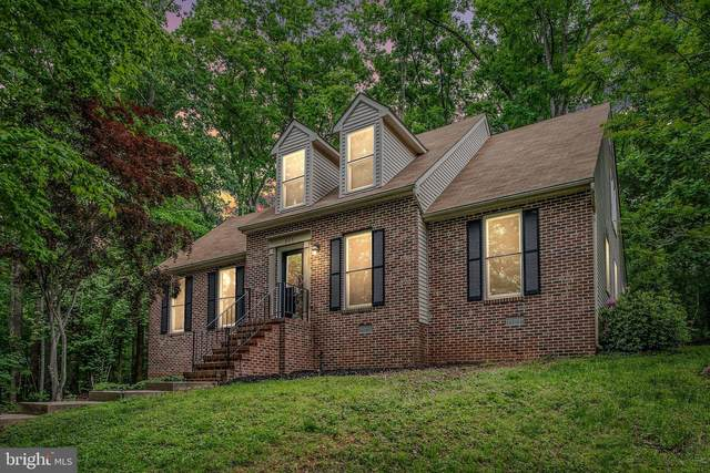 205 Edgemont Lane, LOCUST GROVE, VA 22508 (#VAOR138038) :: Gail Nyman Group