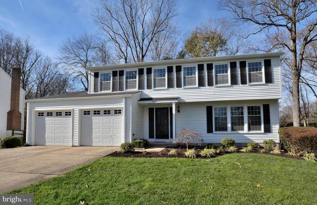 5804 Oak Leather Drive, BURKE, VA 22015 (#VAFX1169814) :: Tom & Cindy and Associates