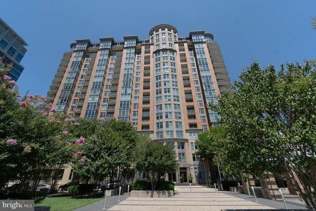 8220 Crestwood Heights Drive #1003, MCLEAN, VA 22102 (#VAFX1170366) :: The Piano Home Group