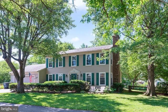 5611 Rowena Drive, CENTREVILLE, VA 20120 (#VAFX1170846) :: The Redux Group