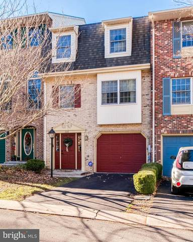 1018 Lindsay Lane, HAGERSTOWN, MD 21742 (#MDWA176628) :: The Sky Group