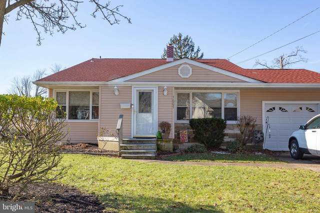 1607 S Bowling Green Drive, CHERRY HILL, NJ 08003 (#NJCD410486) :: Holloway Real Estate Group
