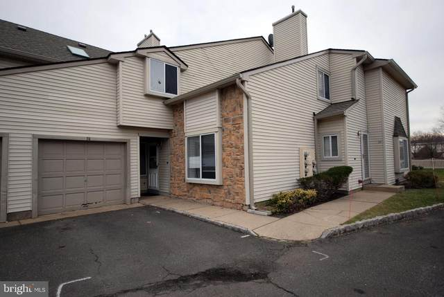 34 Chatham Court, HIGHTSTOWN, NJ 08520 (#NJME306478) :: Certificate Homes