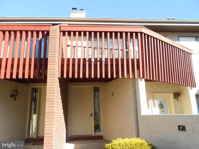 593 Geneva Drive #7, MECHANICSBURG, PA 17055 (#PACB131186) :: Iron Valley Real Estate