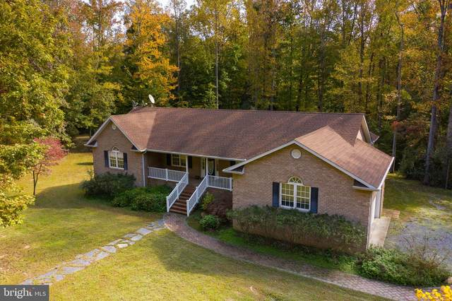 395 Holly Haven Road, WEEMS, VA 22576 (#VALV100814) :: The Redux Group
