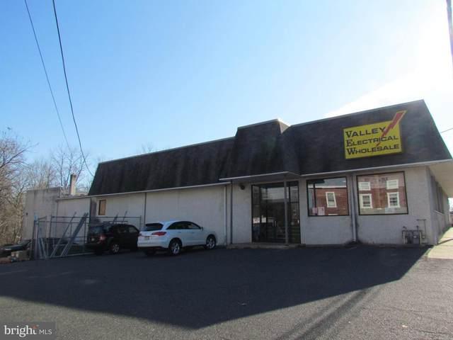 596 Main Street, SCHWENKSVILLE, PA 19473 (#PAMC681046) :: Bob Lucido Team of Keller Williams Integrity
