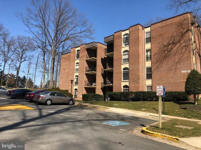 3318 Woodburn Village Drive #24, ANNANDALE, VA 22003 (#VAFX1177854) :: Colgan Real Estate
