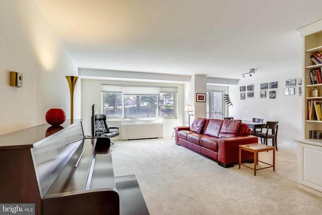 4201 Cathedral Avenue NW 307W, WASHINGTON, DC 20016 (#DCDC505310) :: The Riffle Group of Keller Williams Select Realtors