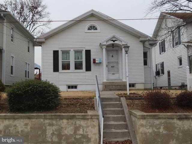 324 Pleasant Street, HANOVER, PA 17331 (#PAYK152124) :: Bob Lucido Team of Keller Williams Integrity