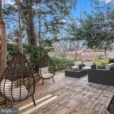 3200 Valley Drive, ALEXANDRIA, VA 22302 (#VAAX255690) :: The Putnam Group