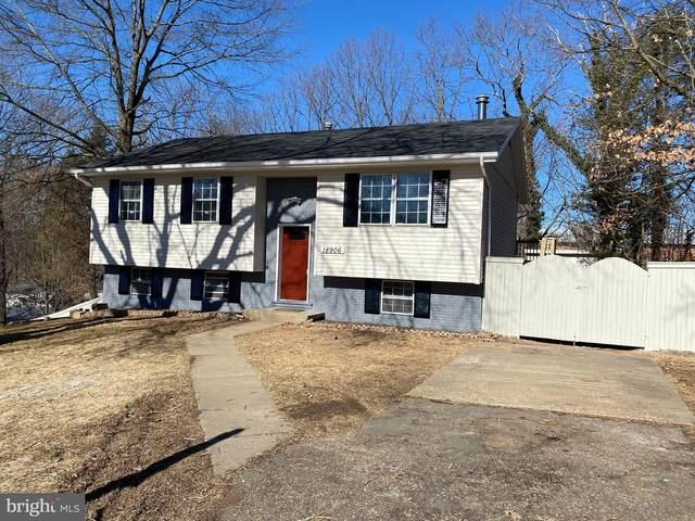 18906 White Oak Drive, TRIANGLE, VA 22172 (#VAPW514178) :: Revol Real Estate