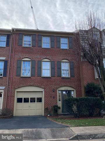5006 Heritage Lane, ALEXANDRIA, VA 22311 (#VAAX255912) :: The Daniel Register Group