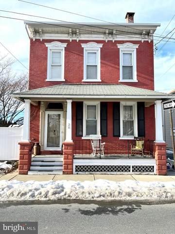28 W Stiegel Street, MANHEIM, PA 17545 (#PALA177182) :: Iron Valley Real Estate
