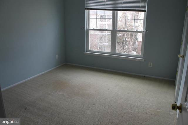 1570 Spring Gate Drive #7412, MCLEAN, VA 22102 (#VAFX1181526) :: Jacobs & Co. Real Estate