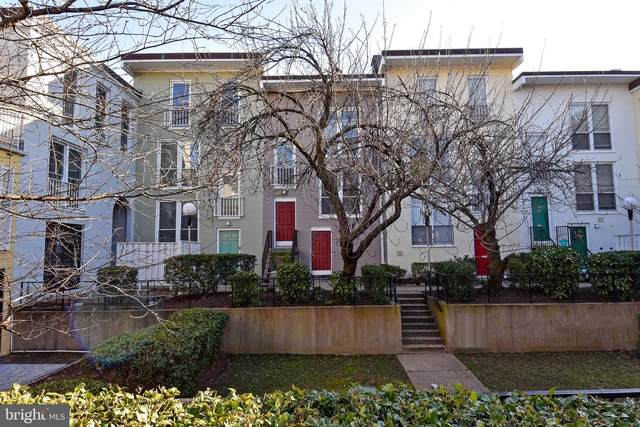 63 G Street SW #108, WASHINGTON, DC 20024 (#DCDC508666) :: Jacobs & Co. Real Estate
