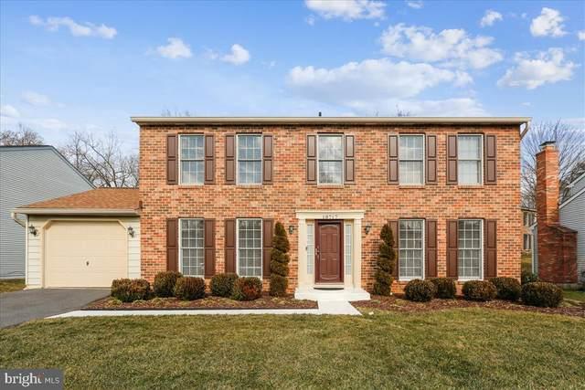 18717 Capella Lane, GAITHERSBURG, MD 20877 (#MDMC745044) :: The Riffle Group of Keller Williams Select Realtors