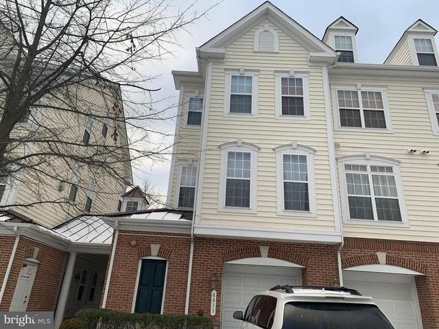 6813 Hampton Bay Lane, GAINESVILLE, VA 20155 (#VAPW515310) :: Revol Real Estate