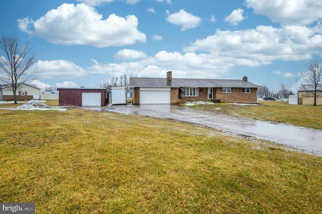 1909 E Berlin Road, NEW OXFORD, PA 17350 (#PAAD115078) :: The Joy Daniels Real Estate Group