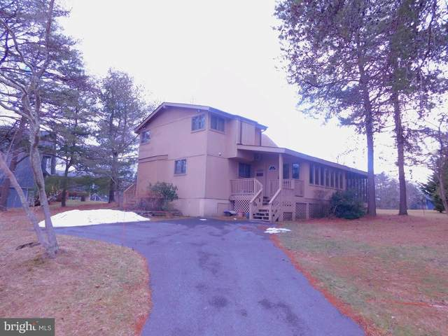 161 The Woods Road, HEDGESVILLE, WV 25427 (#WVBE183984) :: The Gold Standard Group