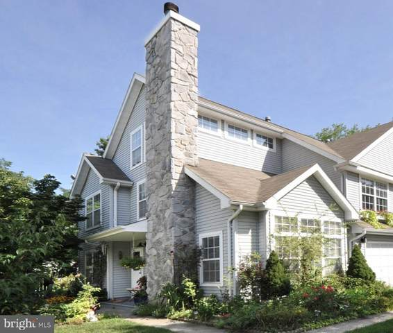 4 Haymarket Court, CRANBURY, NJ 08512 (#NJME308500) :: Holloway Real Estate Group
