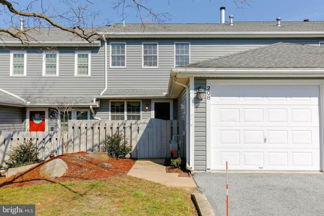208 Kensington Court, YORK, PA 17402 (#PAYK153706) :: The Joy Daniels Real Estate Group