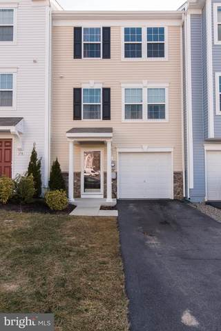 366 Rumbling Rock, HEDGESVILLE, WV 25427 (#WVBE184034) :: The Mike Coleman Team