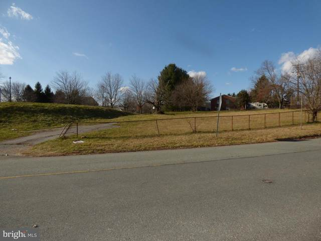 19002 Mateny Hill Road, GERMANTOWN, MD 20875 (#MDMC746622) :: Dart Homes