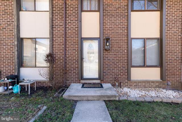 9021 Watchlight Court, COLUMBIA, MD 21045 (#MDHW291214) :: EXIT Realty Enterprises