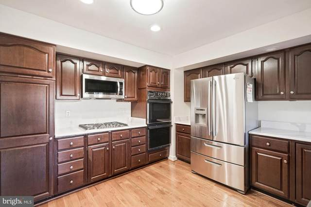 6581 Irvin Court, ALEXANDRIA, VA 22312 (#VAFX1185068) :: Shawn Little Team of Garceau Realty