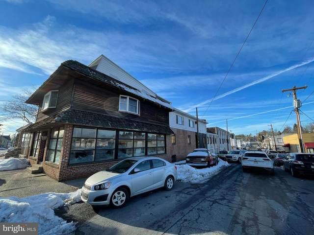 1942 W Market Street, POTTSVILLE, PA 17901 (#PASK134398) :: The Joy Daniels Real Estate Group