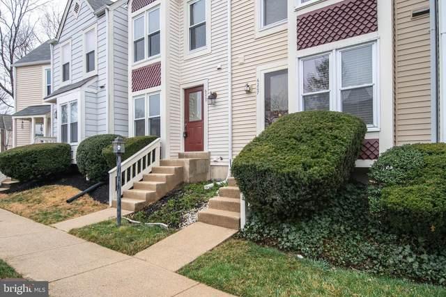 6205 Little Valley Way, ALEXANDRIA, VA 22310 (#VAFX1185992) :: Debbie Dogrul Associates - Long and Foster Real Estate